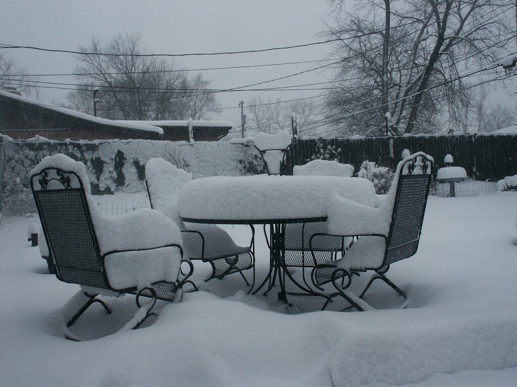 Kert téliesítése-kerti bútorok